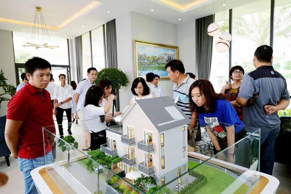 mua-dat-quan-9-dau-tu-1 Người mua đất nền 80% là để đầu tư